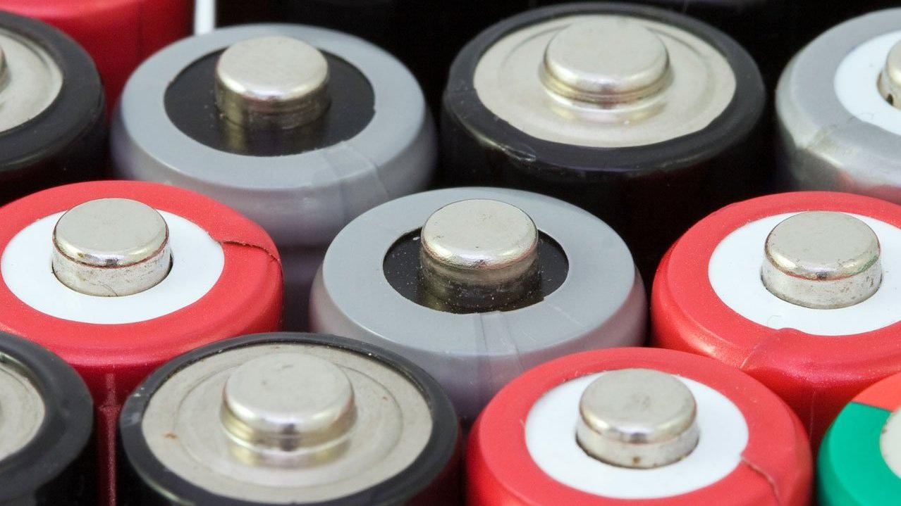 Sẽ có công nghệ pin mới thay thế li-ion vào 2021.